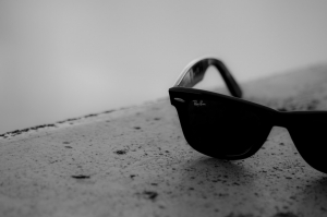 sunglasses-692517.jpg